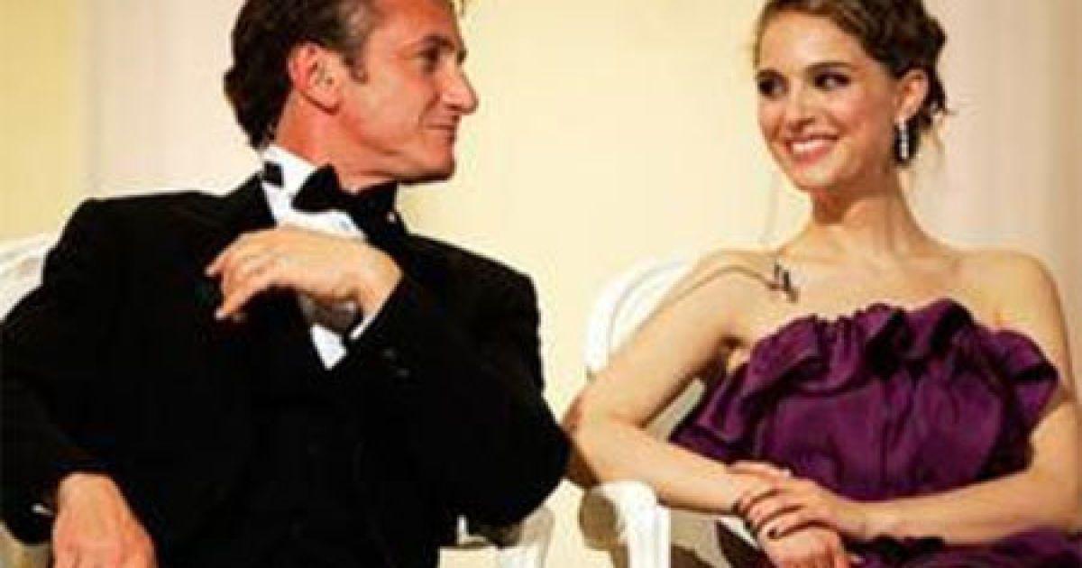 Кажуть, що у Наталі і Шона Пенна роман @ Daily Mail
