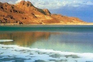 Мертве море швидко висихає
