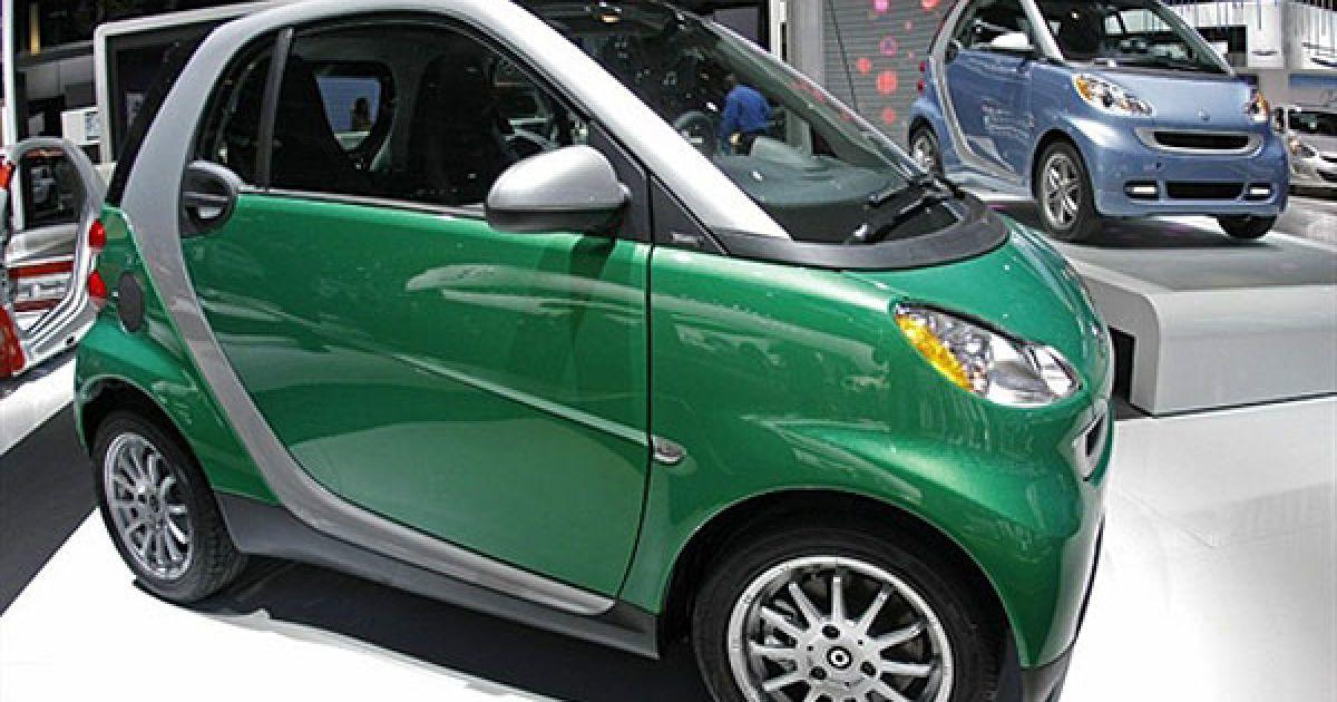 На автошоу NAIAS (North American International Auto Show) показали світові прем'єри 14 концептів і 13 серійних авто. @ AFP