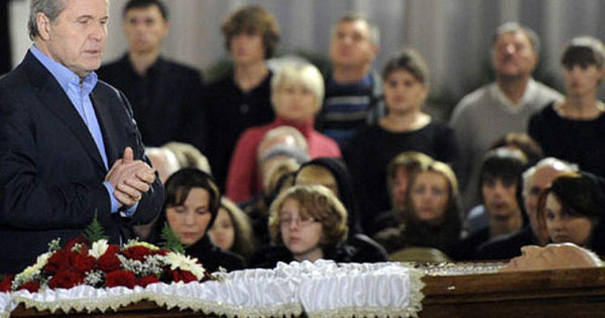Співак Лев Лещенко попрощався з Віктором Черномирдіним @ dni.ru
