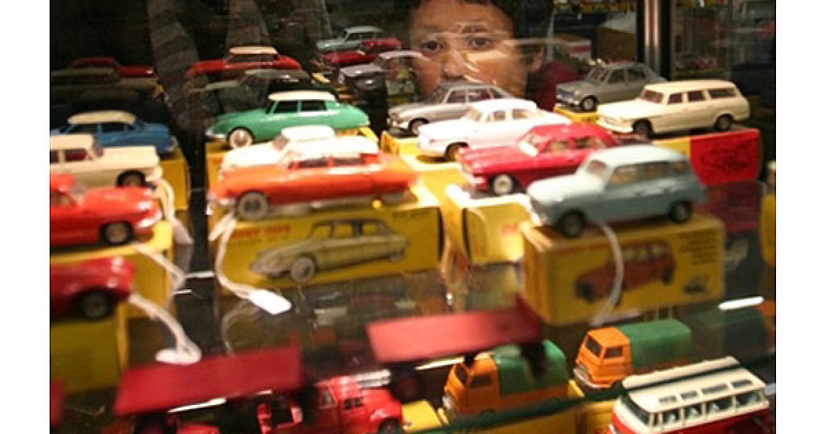 Щороку автовиставка, яка вперше відбулась у Парижі у 1975 році, збирає десятки тисяч відвідувачів. @ AFP