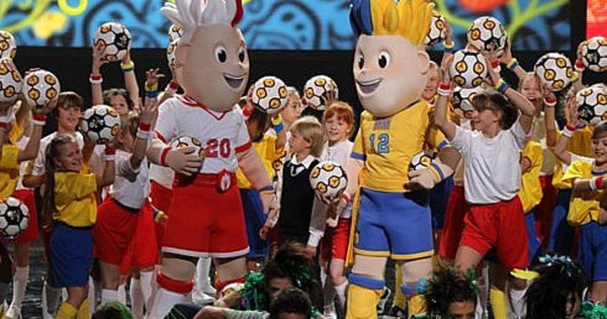 Розробкою талісманів Євро-2012 займалась всесвітньо відома компанія Warner Bros. @ ukraine2012.gov.ua