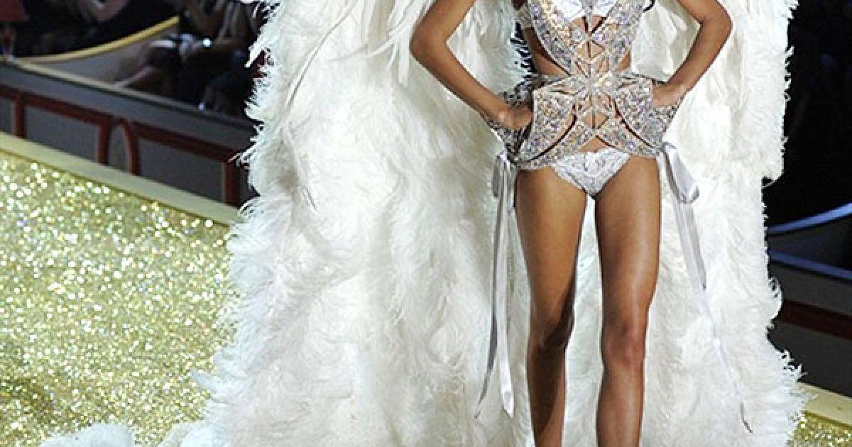 Шанель Іман на шоу Victoria's Secret @ AFP