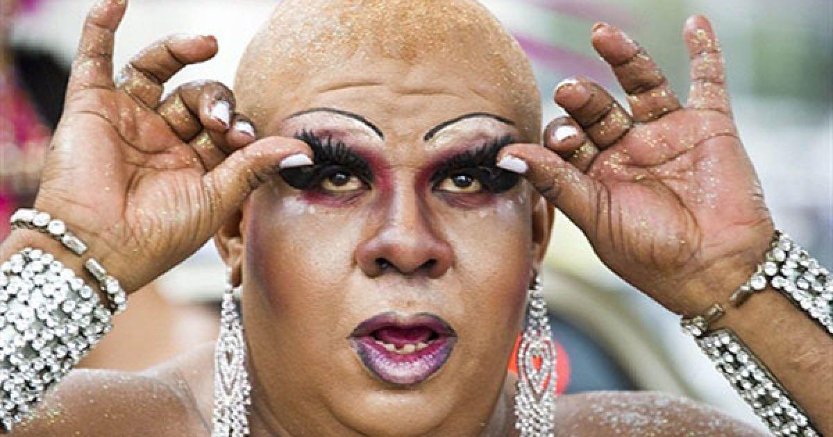 На пляжі Копакабана у Ріо-де-Жанейро пройшов 15-й щорічний гей-парад @ AFP
