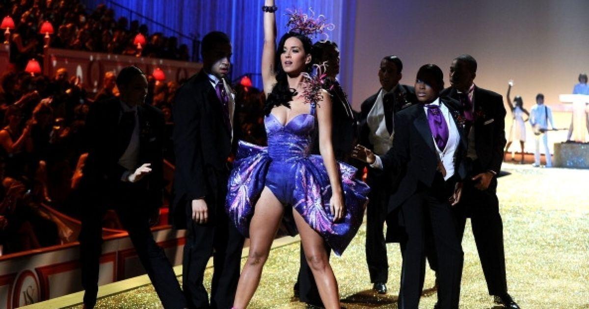 Кеті Перрі у показі Victoria 's Secret @ Getty Images/Fotobank
