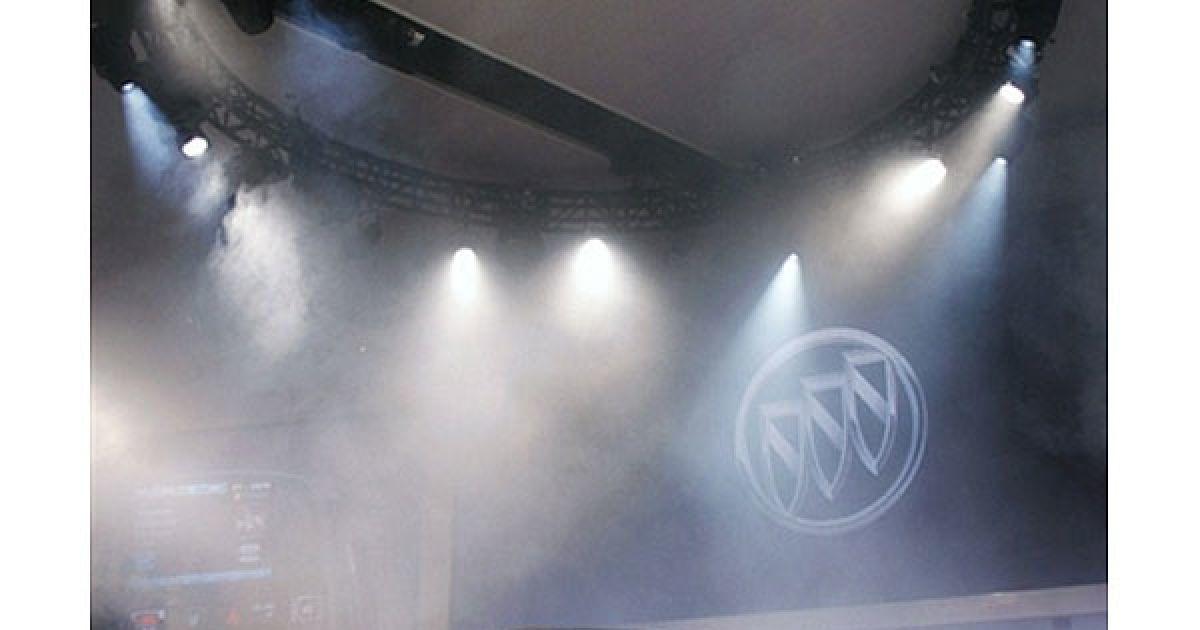 Презентація Buick Verano 2012 на автошоу в Детройті @ AFP