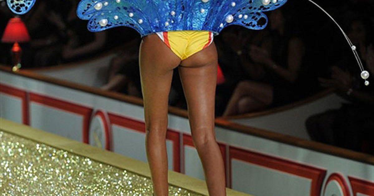 Лаїс Ріберо на шоу Victoria's Secret @ AFP