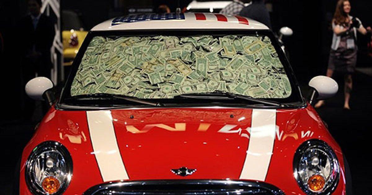 США, Лос-Анджелес. Mini Cooper Hardtop на автовиставці LA Auto Show @ AFP
