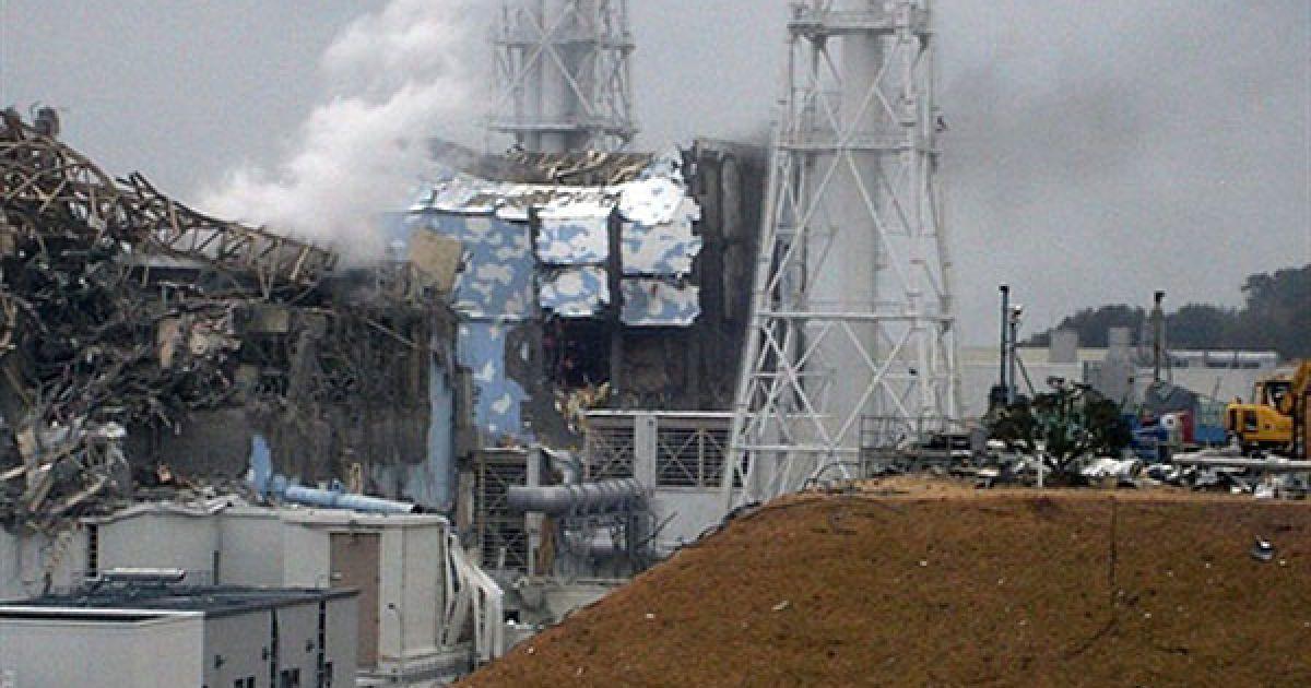 """Японія, Окума. Пошкоджені третій та четвертий реактори АЕС """"Фукусіма-1"""". На АЕС весь час виникають нові пожежі, посилюючи ядерну кризу в Японії, яка потерпає від наслідків землетрусу та цунамі. Фото AFP/TEPCO @ AFP"""