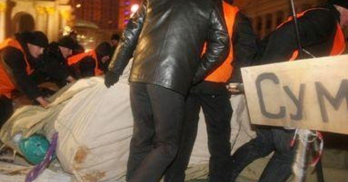 Демонтаж наметового містечка на Майдані @ Блог Мустафи Наєма