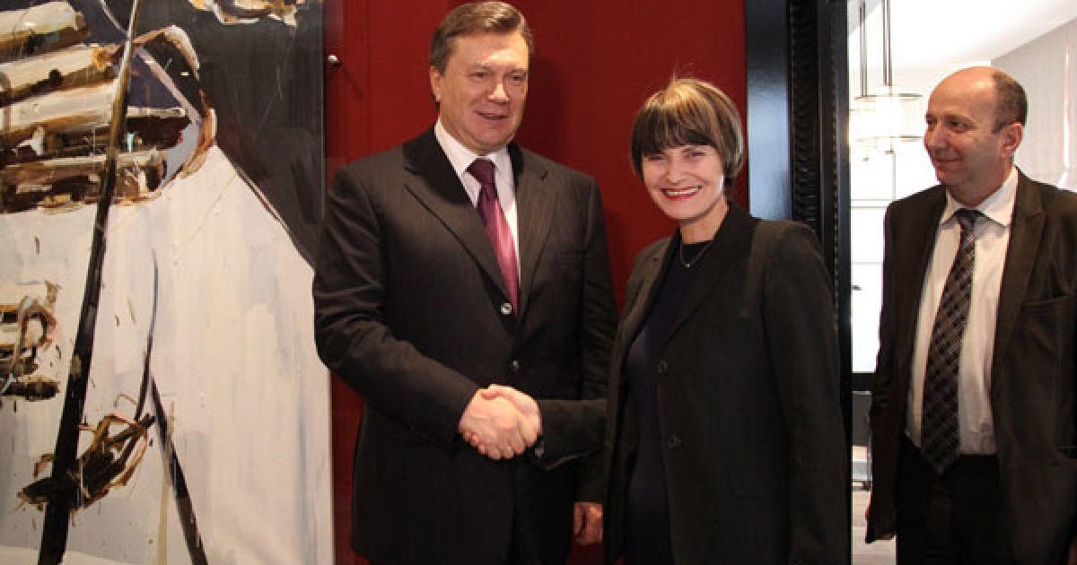 Глава Української держави відзначив, що сьогоднішня зустріч є хорошою можливістю обговорити низку питань, що становлять взаємний інтерес України і Швейцарії. @ President.gov.ua
