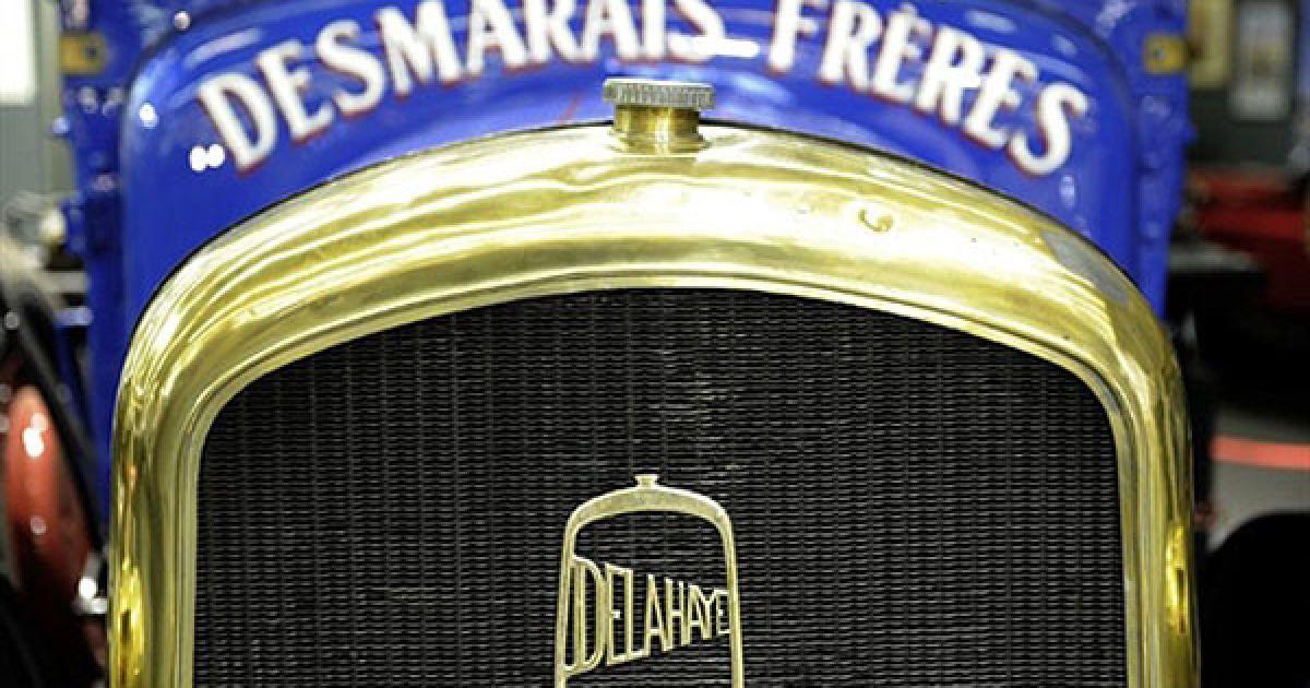 Решітка радіатора французької вантажівки Delahaye @ AFP