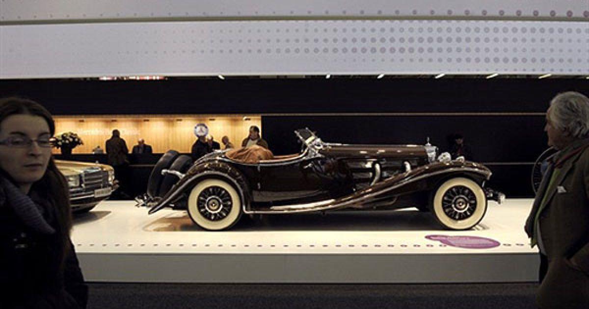Вперше виставка Retromobile відбулась у Парижі у 1975 році @ AFP
