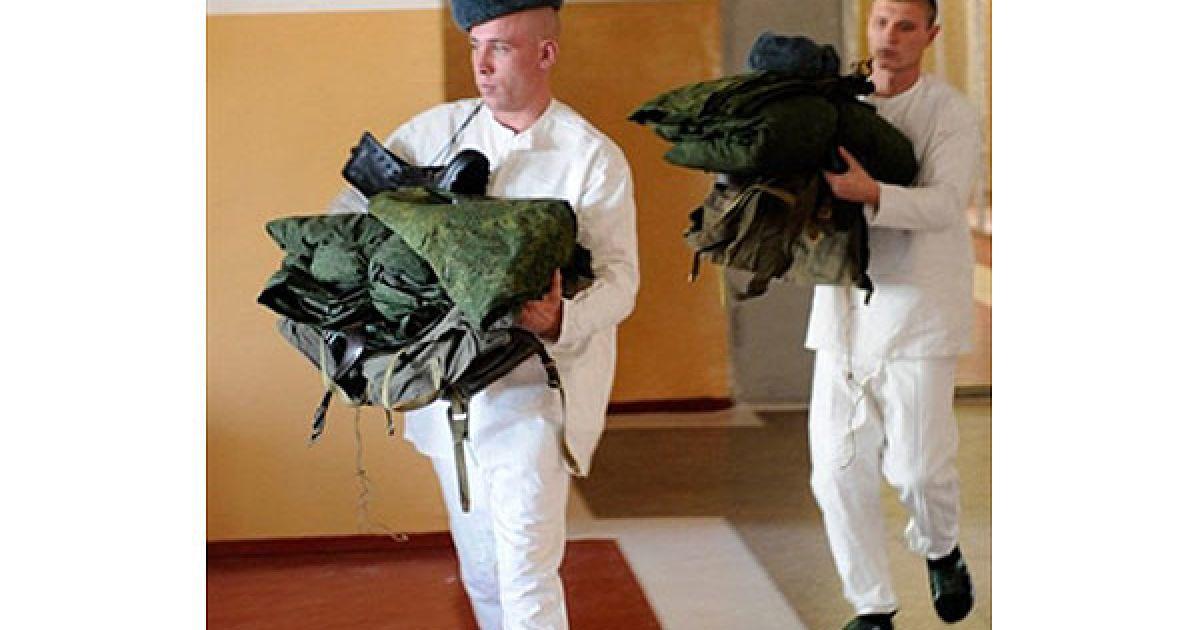 Росія, Краснодар. Призовники отримують військову форму і стають на військовий облік у військкоматі південного російського міста Краснодар. @ AFP