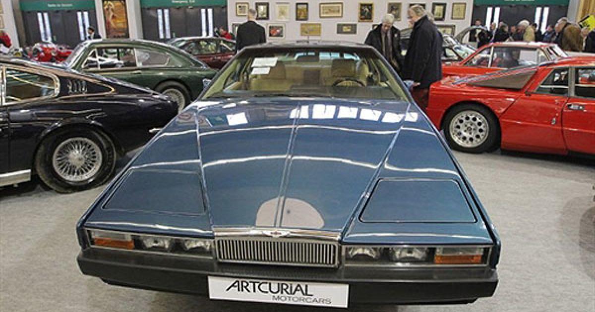 Aston Martin Lagonda (ex Bongo), який оцінюють у 60 тисяч євро. @ AFP