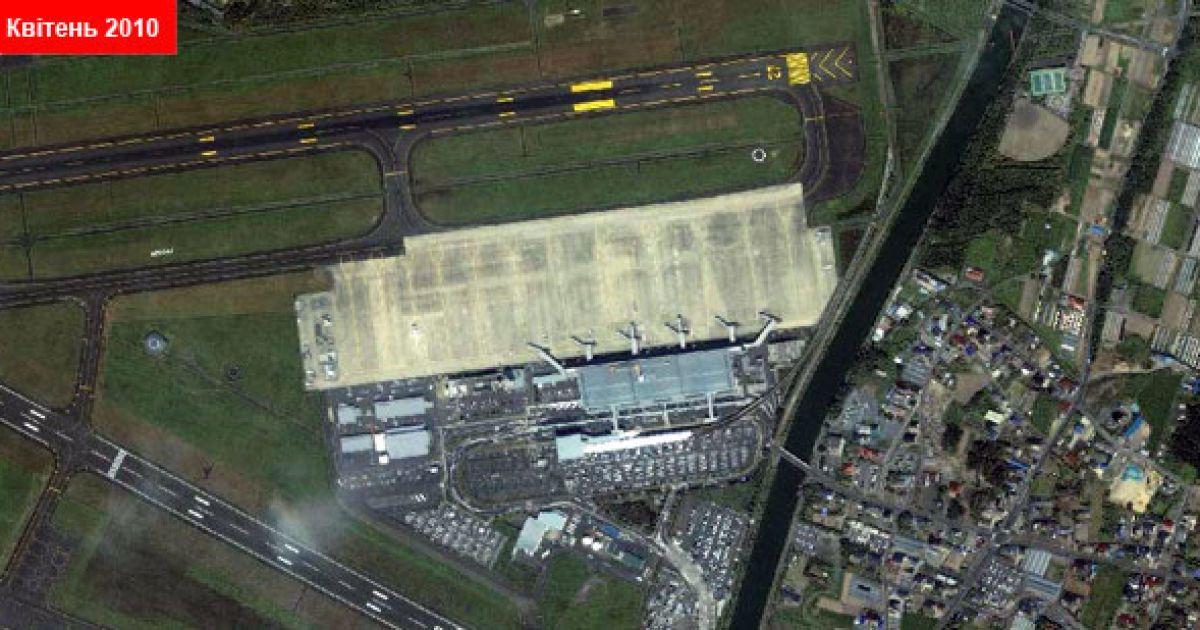 Аеропорт Сендай, квітень 2010 @ GeoEye