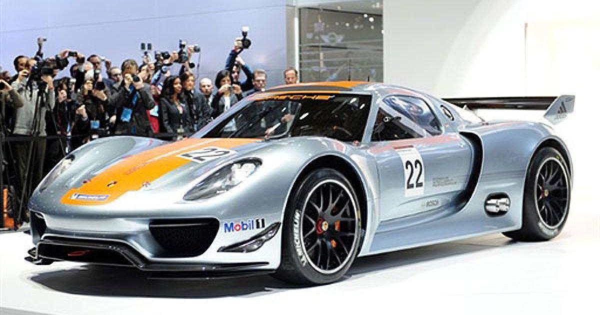 Porsche 918 RSR обладнаний і досить революційною системою рекуперації енергії. @ AFP