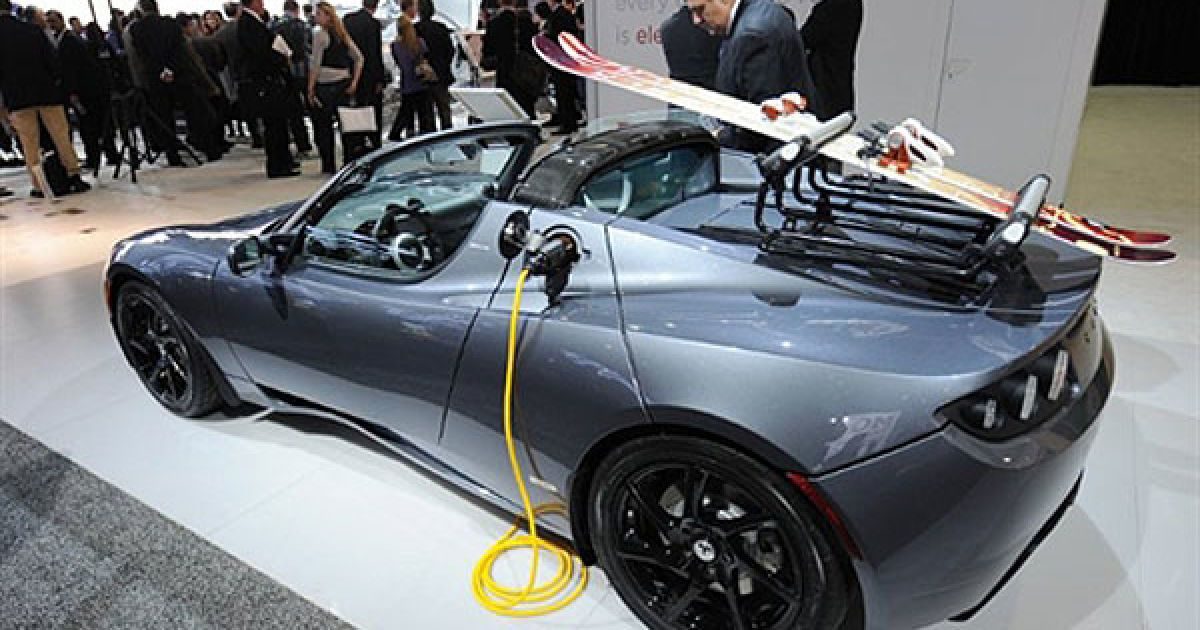 Електричний спорткар Tesla Roadster @ AFP