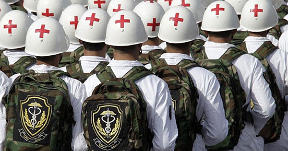 Ліван, Бейрут. Медичний загін ліванської армії бере участь у військовому параді з нагоди 67-ого святкування Дня незалежності Лівану. @ AFP