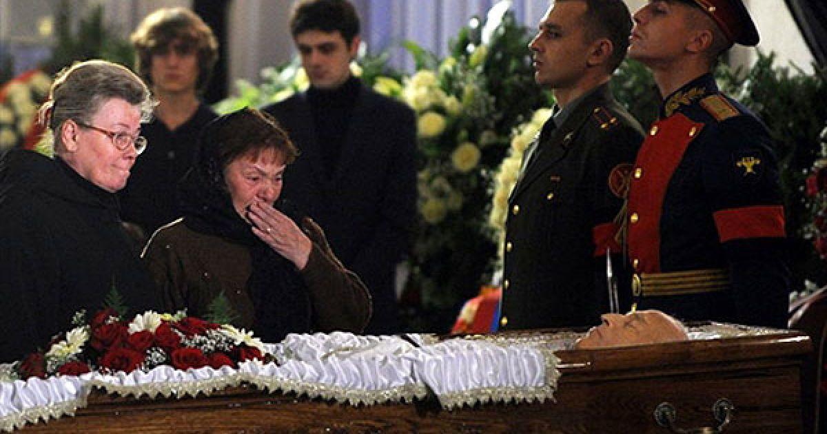 5 листопада в Москві на Новодівочому кладовищі поховали російського політика Віктора Черномирдіна. @ AFP