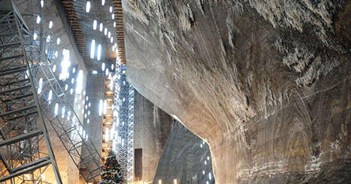 """Румунія, Турда. Соляна шахта Турда в місті Турда є однією з найважливіших соляних шахт у Трансільванії, центральна Румунія. """"Саліна Турда"""" була відома з давніх часів, але була введена в експлуатацію для підземних гірських робіт у римський період. Турда стала одним з найбільших місць видобутку солі на території всього регіону. @ AFP"""