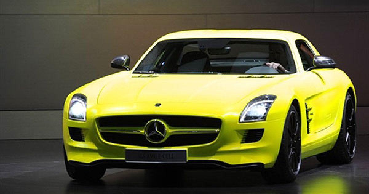 На стенді Mercedes-Benz показали прототип нового SLS E-Cell @ AFP