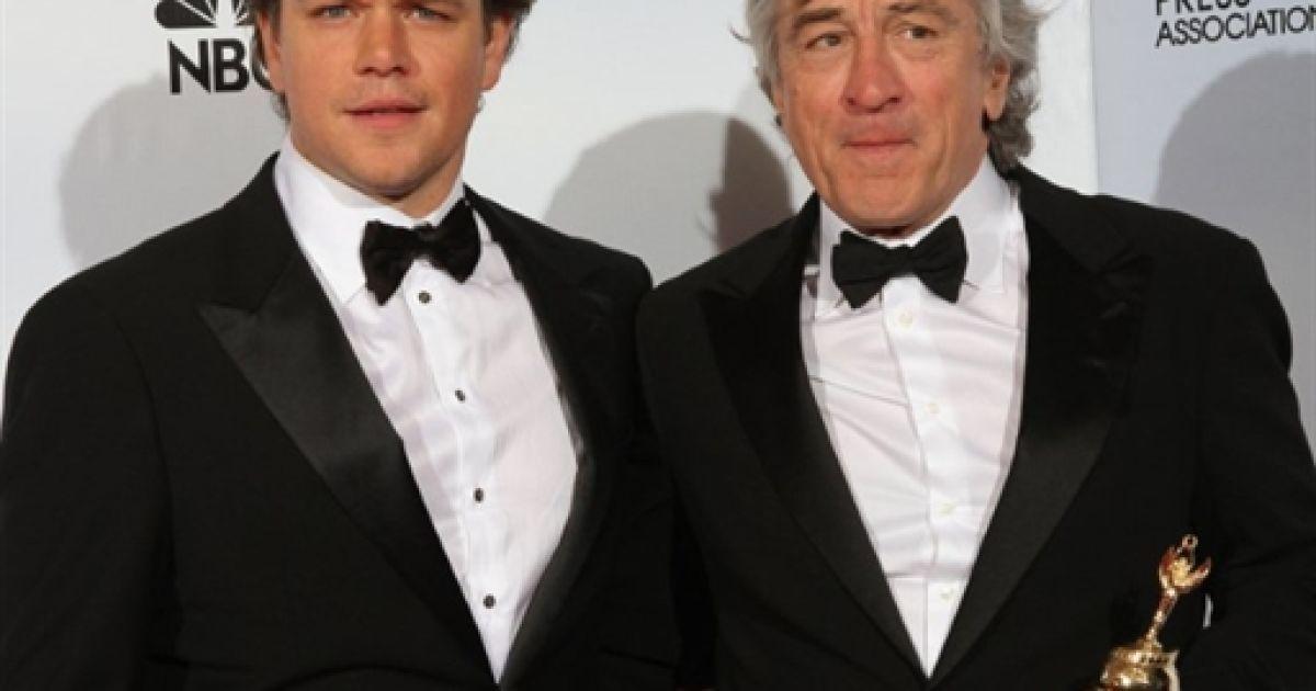 """Метт Деймон і Роберт Де Ніро на церемонії вручення """"Золотого глобуса"""" @ AFP"""
