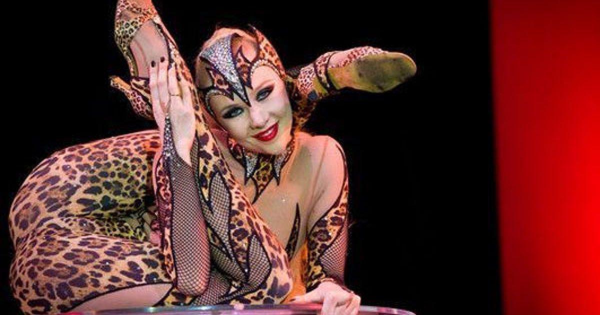 """""""Перлиною"""" виставки став виступ 24-річної росіянки Злати, """"жінки-змії""""."""