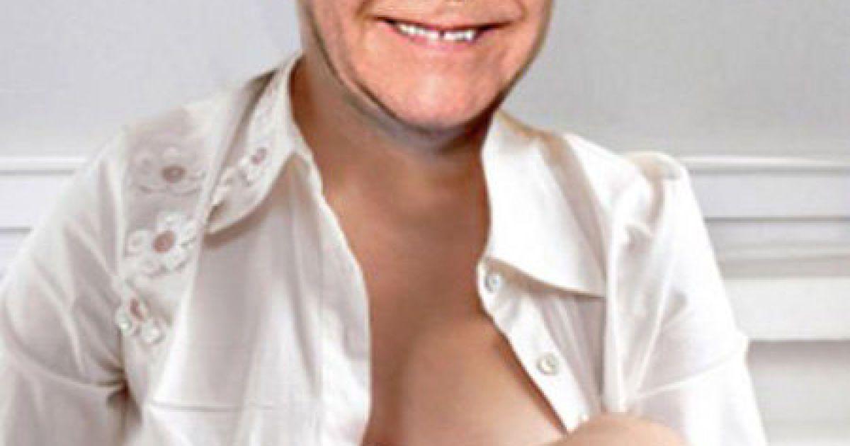 Элтон Джон кормит сына @ Daily Mail
