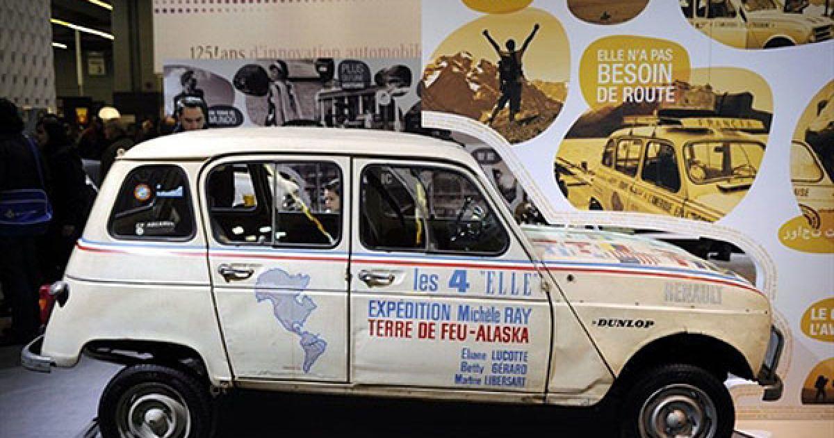"""Легендарний Renault 4L, який брав участь у рейді """"Вогняна Земля (Чилі)-Аляска"""" @ AFP"""