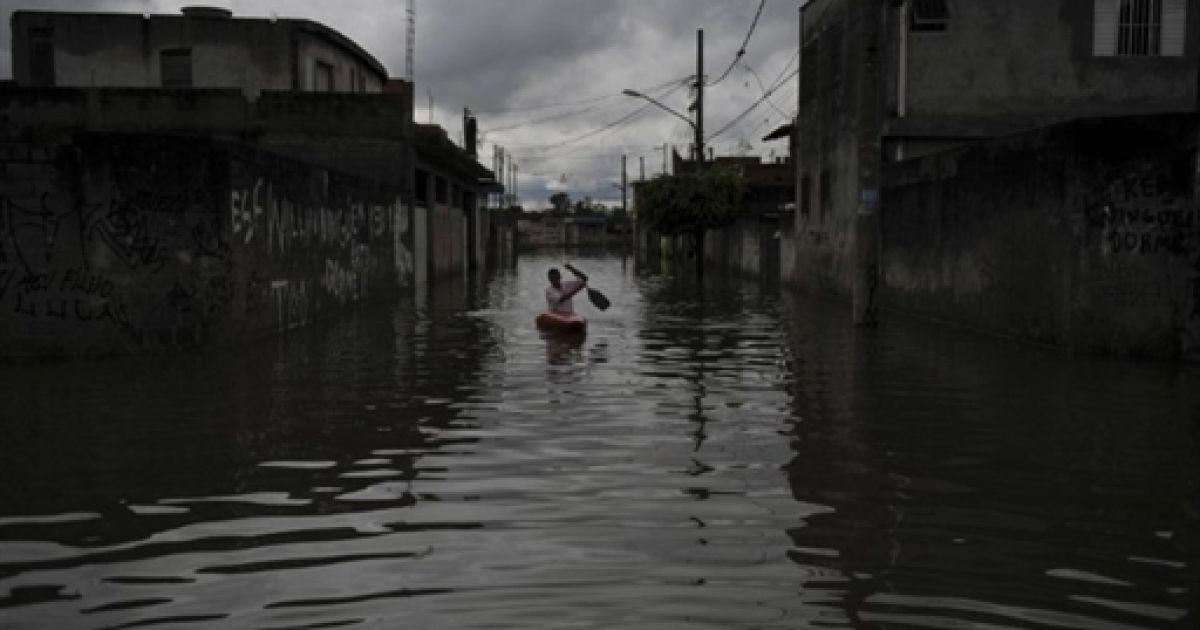 Наводнение в Бразилии @ AFP