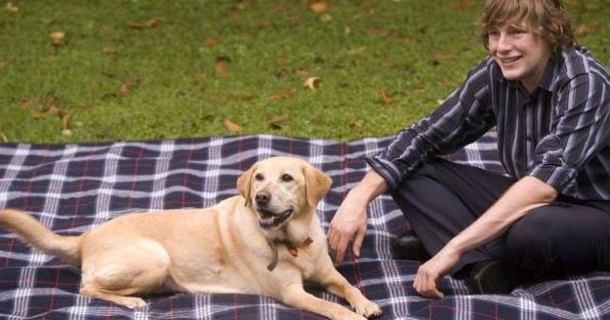 Джозеф Гуізо одружився зі своєю собакою @ The Chronicle