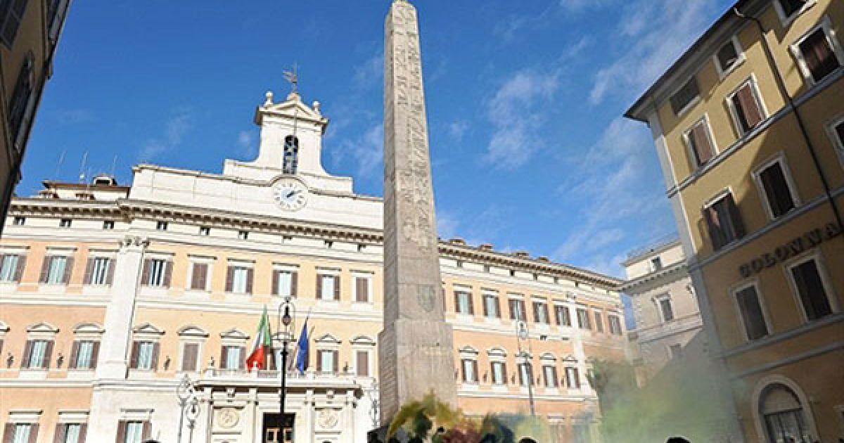 На Міжнародний день студента італійські студенти провели акції протесту проти реформування вузів і скорочення бюджету. @ AFP
