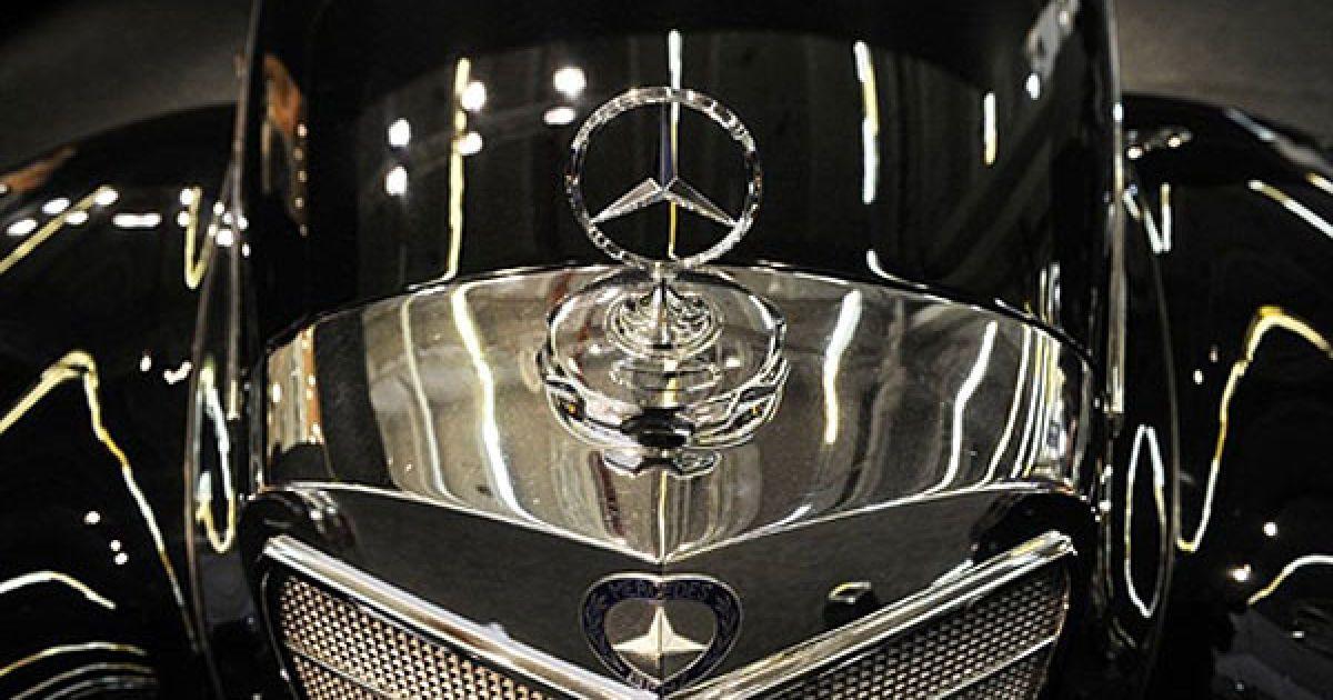 Деталь німецького ретромобіля Mercedes Benz @ AFP