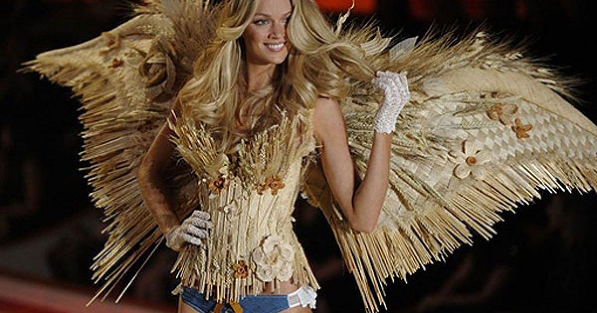 Ліндсі Еллінгсон на шоу Victoria's Secret @ AFP