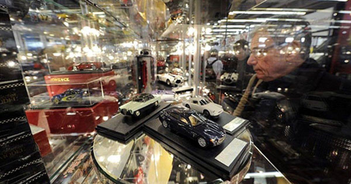 У Парижі відкрилась виставка автомобілів і мотоциклів Retromobile @ AFP
