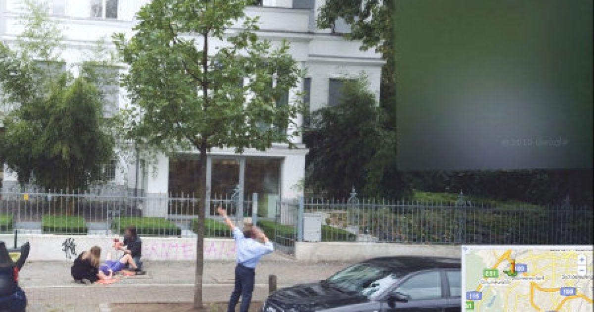 Google Street View засняв народження дитини на вулиці @ Google Street View