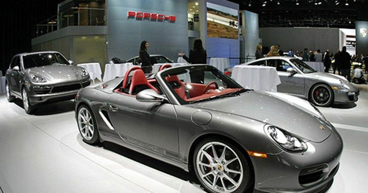 Головними стендами на салоні стали Porsche і Ford, які представили найяскравіші новинки. @ AFP