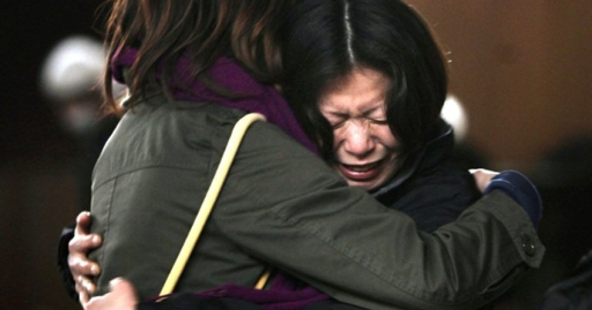 """В Японии расстроенных женщин утешать профессиональные """"утиратели слез"""""""