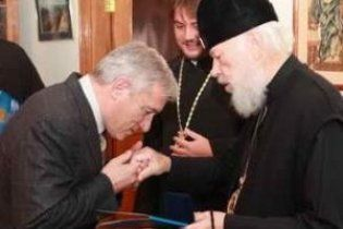 Брат Ющенка не віддав церкву в Хоружівці посланцям Кирила