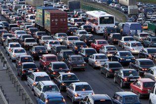 Киянам заборонять їздити містом на власних авто