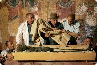 Мумія Тутанхамона загорілася через невдале бальзамування - вчені