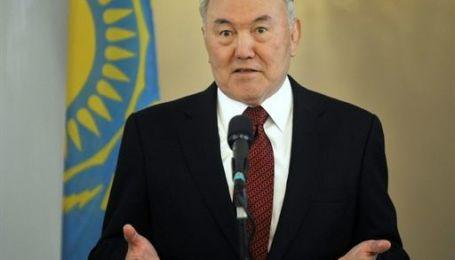 Назарбаев объявил досрочные президентские выборы