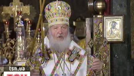 Янукович помолился вместе с патриархом Кириллом и митрополитом Владимиром