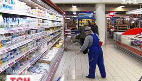 Чиновники требуют снизить стоимость молока и всех продуктов из него