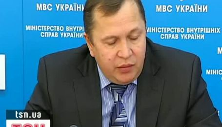 Чиновники в этом году получили более 12 миллионов гривен взяток