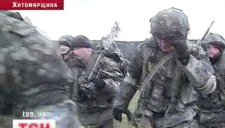 Подразделение журналистов против взвода десантников