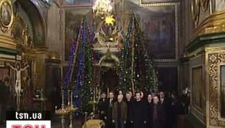 """Свободовец"" вместе с Януковичем помолился на Рождество"