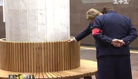 В метро Харькова установили скамейки по 8 тысяч долларов каждая