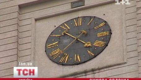 Завтра українці зможуть поспати на цілу годину довше